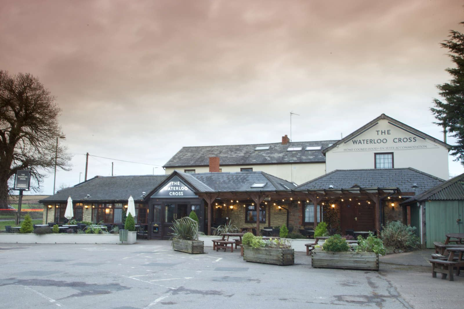 Home | Waterloo Cross in Cullompton | Pub and Restaurant