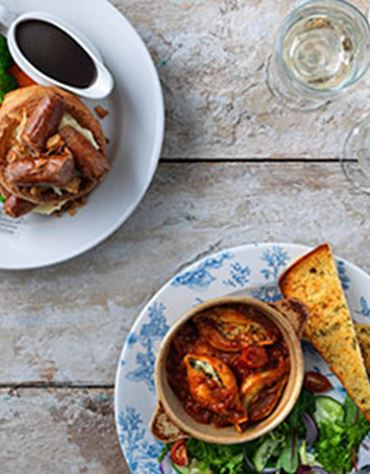 Two Dine with a bottle of Wine for £20